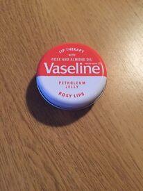 Vaseline in rosy lips *new*