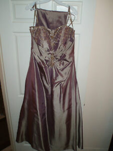 Beautiful Evening Gowns size 16 / Bridesmaid dress small