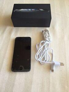 iPhone 5 64g Kitchener / Waterloo Kitchener Area image 1