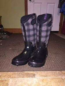 BOGS insulated rubber boots