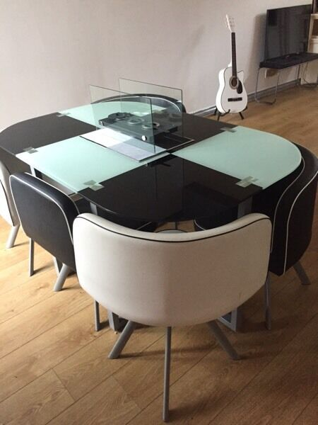 Space saver dining room table & 6 chairs