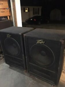 2 sets of 18 inch bass bin subs Peavey 118.