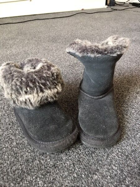 Girls winter fur boots Next size 6