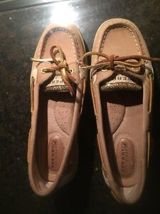 Youth/ woman's  Sperry top