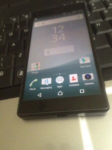 Xperia z5 black compact 32gb unlockedin Plaistow, LondonGumtree - Xperia z3 compact black 32gb unlocked used few weeks great condition with charger and earphone unwanted gift