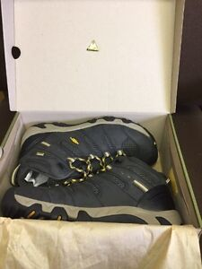 New never used keen koven mid