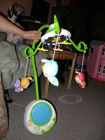 Mobile à piles pour berceau Playschool