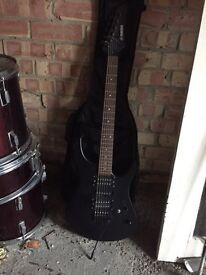 Guitar - Yamaha ERG 121