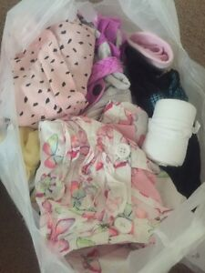 Lot baby girl clothes more than 100 pieces 0-6 month