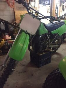 Kawasaki kx 80 $1000 or trade for a smaller bike of same value Kingston Kingston Area image 3