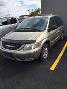 2002 Chrysler town and country  limited model for sale