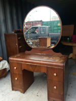 Antique Ladies Bedroom Vanity With Mirror & Stool