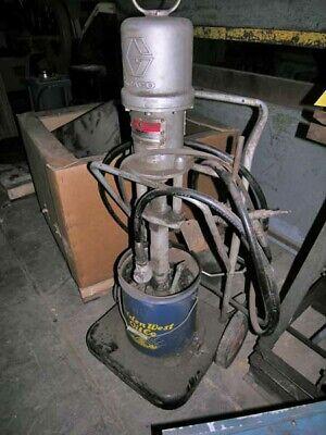 5 Gallon Graco Model 205791 Powerflow Bulldog Pump 48381