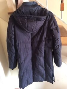 Fashionable and warm women's down winter coat West Island Greater Montréal image 2