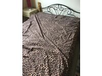 Leopard skin double bed covers