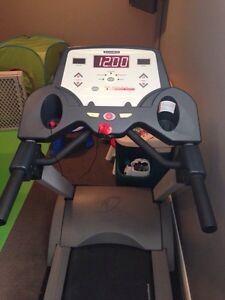 Diamondback Treadmill Kitchener / Waterloo Kitchener Area image 3