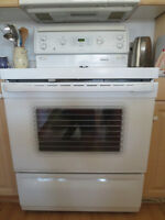 GE-30 Self cleaning Freestanding Electric Range, White