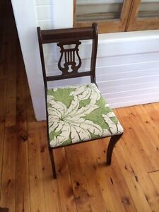 Antique Dining table and five chairs Sarnia Sarnia Area image 5
