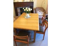 Table and 6 dinning chairs