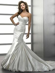 """Maggie Sottero """"Kendall"""" Wedding Dress - Size 6"""