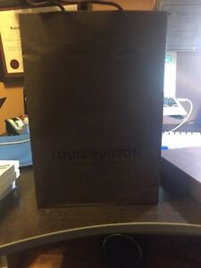 Authentic Louis Vuitton Medium (MM) Agenda Cover West Island Greater Montréal image 9