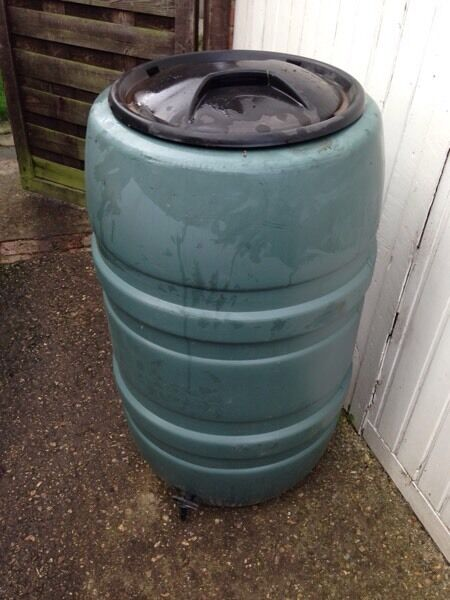 200L Water ButtUsedin Reading, BerkshireGumtree - 200L water butt in good working condition. No longer needed due to house refurb.Collection only from Arborfield
