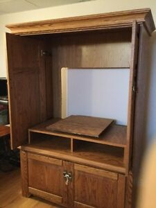 Oak armoire Moose Jaw Regina Area image 2