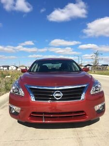2013 Nissan Altima SV Sedan red