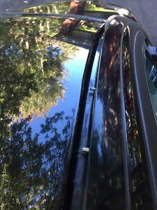 Barres tranversales de toit Volvo pour coffre à baggages Saint-Hyacinthe Québec image 3