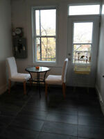 CHAMBRE À LOUER ( POUR FILLE) / ROOM FOR RENT (Girls only)