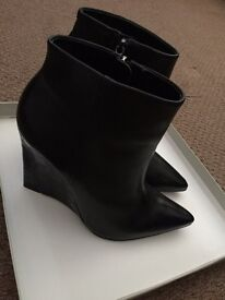 Kurt Geiger Carvela Boots UK size 7