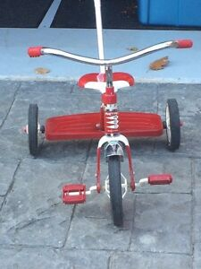 Red Rapid Flyer tricycle - parents safety handle Cambridge Kitchener Area image 4