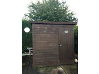 Garden shed 7' 6""