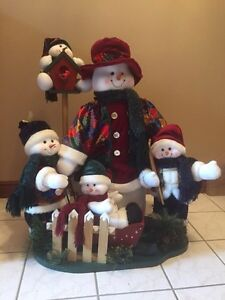 Great snowman and friends large decoration econd