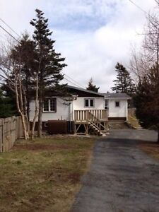 **FURNISHED 3 Bedroom House w/ garage** Placentia/Dunville