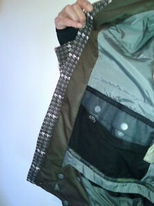 Snowboard Jacket Ripzone X5 - Men's Size Medium/Large West Island Greater Montréal image 3