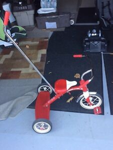 Red Rapid Flyer tricycle - parents safety handle Cambridge Kitchener Area image 5