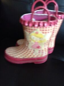 Girl's boots size 12 and 10 and boy's boots size 13. AVAILABLE