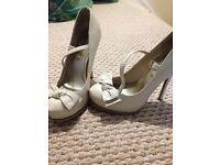 Cream coloured heels size 6
