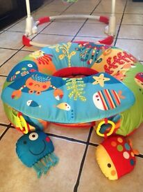 Red kite inflatable baby seat