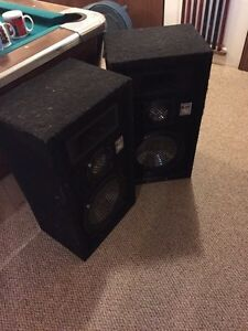 Pair of 250 watt AST x2-1500 loud speakers ,sound great