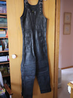 MENS MOTORCYCLE LEATHERS SZ 42 Overalls