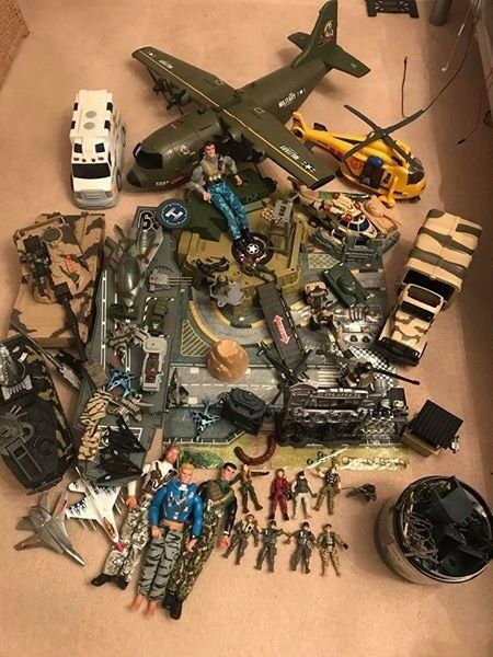 Collection of army and rescue vehicles and soldiers..job lot