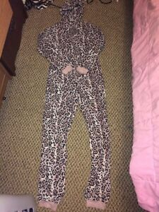 Pink cheetah print onsie Kitchener / Waterloo Kitchener Area image 2