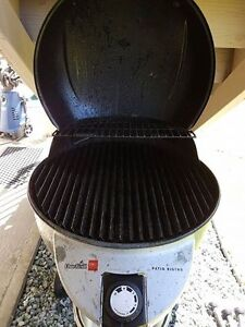 Charbroil electric infered BBQ For Sale