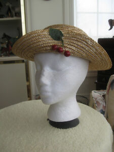 JAUNTY LITTLE STRAW HAT for a YOUNG LADY