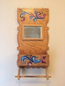 Tole painted wooden Wall Hanging
