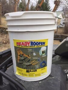 Fall protection in a bucket