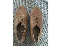 Ladies shoes. Size 6