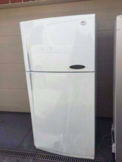 Big modern 557 liter LG great working fridge, can delivery at ext